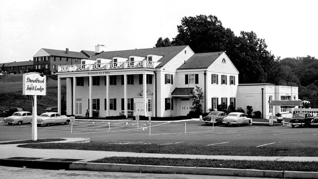 The original Drexelbrook Inn from 1950s