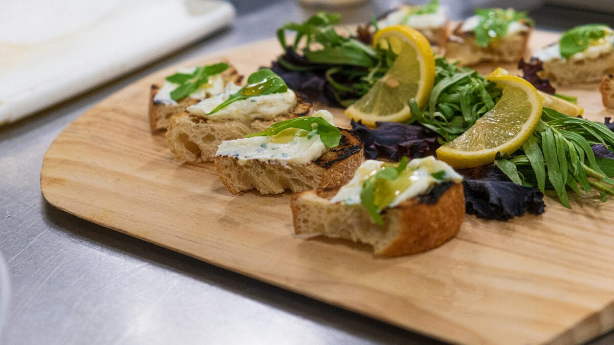 Crostini with honey and spread